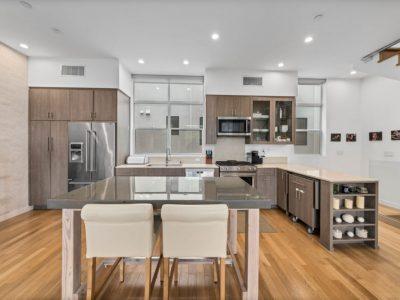 5937 W Parkcrest Pl Esquire Real Estate Brokerage